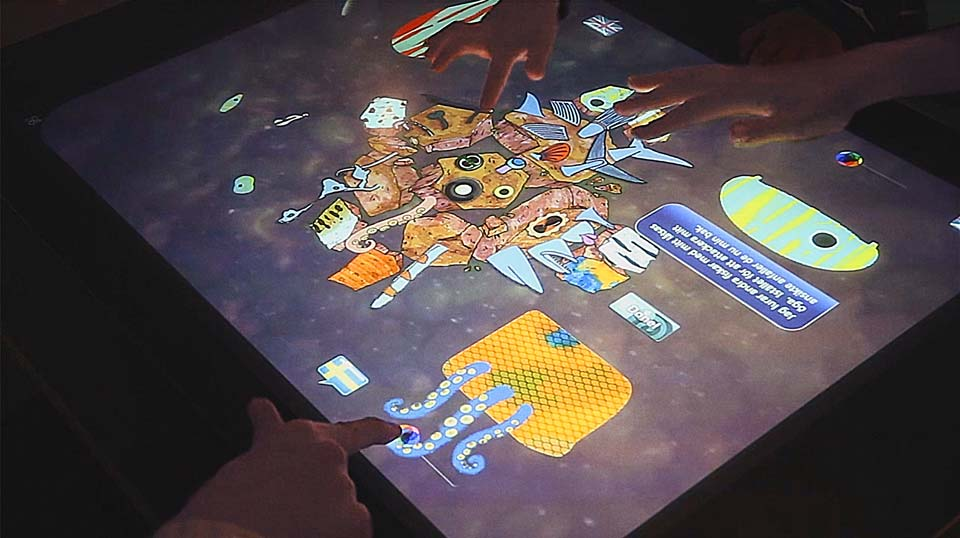 video game PixelSens museum touch screen surface